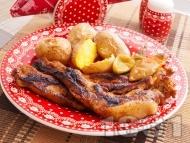 Мариновани свински гърди без кост с бира печени на скара с гарнитура от печени картофи